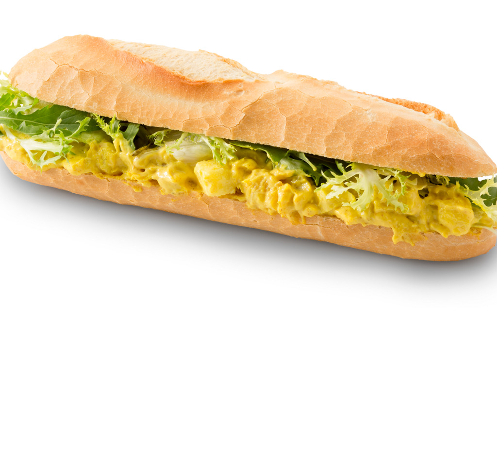 Broodje kip kerrie salade