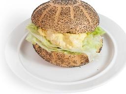 Broodje scharrel ei salade