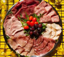 Vleeswaren schotel
