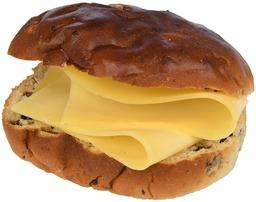Krentenbol met kaas