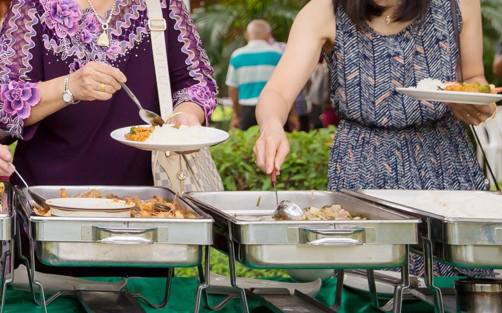 4. Luxe buffet